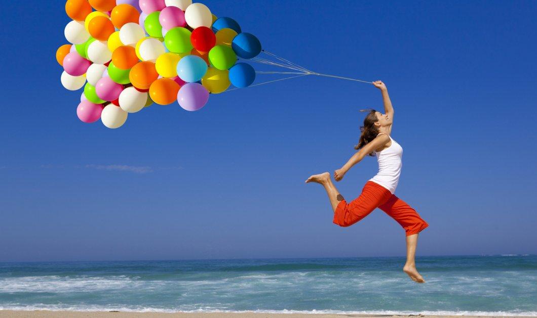 """Η """" θεά"""" της ευτυχίας Κατερινα Τσεμπερλιδου : 35 πράγματα που μας φέρνουν ευτυχία τον Ιούλιο - Κυρίως Φωτογραφία - Gallery - Video"""