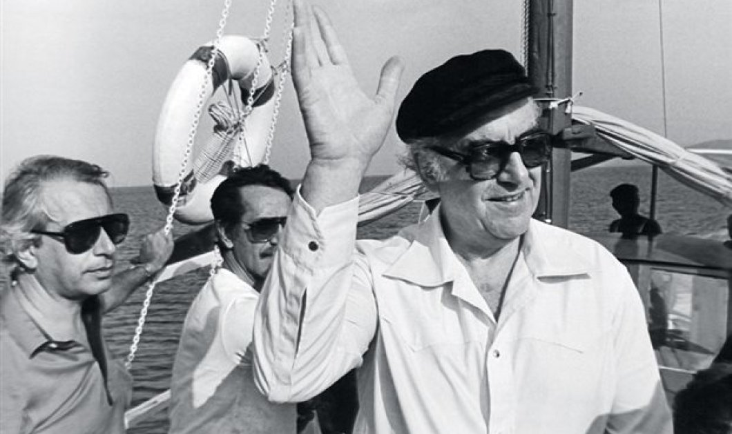 Vintage Political Story: Όταν το Μαξίμου μεταφερόταν με Σημίτη σε Σίφνο, στην Ίο ο Καραμανλής, Elounda beach ο Ανδρέας & Πάρο ο ΓΑΠ - Κυρίως Φωτογραφία - Gallery - Video