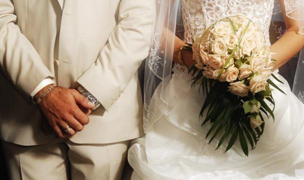 Κρήτη γάμος με απρόοπτα: Ο γαμπρός έφτασε με συνοδεία δεκάδες τρακτέρ & το ρύζι σε τσουβάλια! Να ζήσουν!  - Κυρίως Φωτογραφία - Gallery - Video