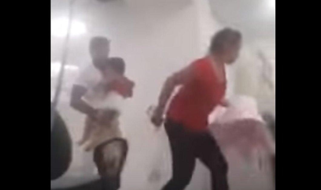 ΒΙΝΤΕΟ από την Αλικαρνασσό - σεισμός: Χιλιάδες μικροπράγματα γίνονται θρύψαλα - Πανικόβλητοι όλοι τρέχουν έξω  - Κυρίως Φωτογραφία - Gallery - Video