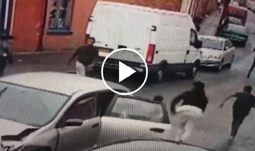 Μεγάλη Βρετανία: Πόσα άτομα μπορούν να μπουν μέσα σε ένα μικρό αυτοκίνητο; (ΒΙΝΤΕΟ) - Κυρίως Φωτογραφία - Gallery - Video