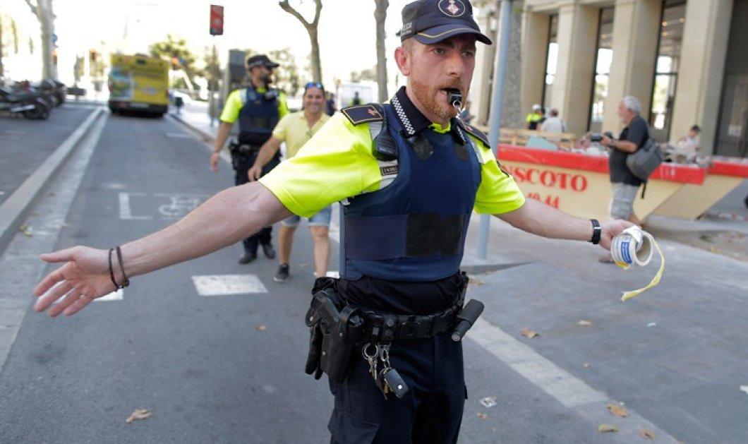 Βίντεο: η στιγμή της σύλληψης του υπόπτου για την επίθεση με βαν στην Βαρκελώνη - Κυρίως Φωτογραφία - Gallery - Video