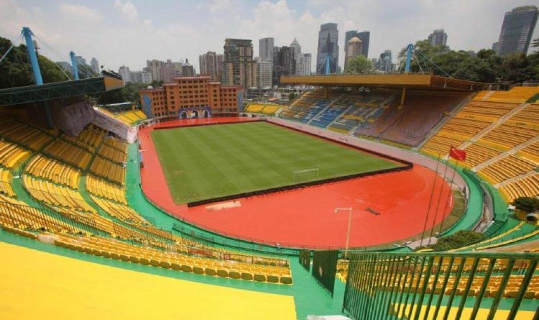 Story of the day: ομάδα ποδοσφαίρου έβαψε το γήπεδο χρυσό για γούρι - ε λοιπόν ναι άρχισε να κερδίζει! Φωτό - Κυρίως Φωτογραφία - Gallery - Video