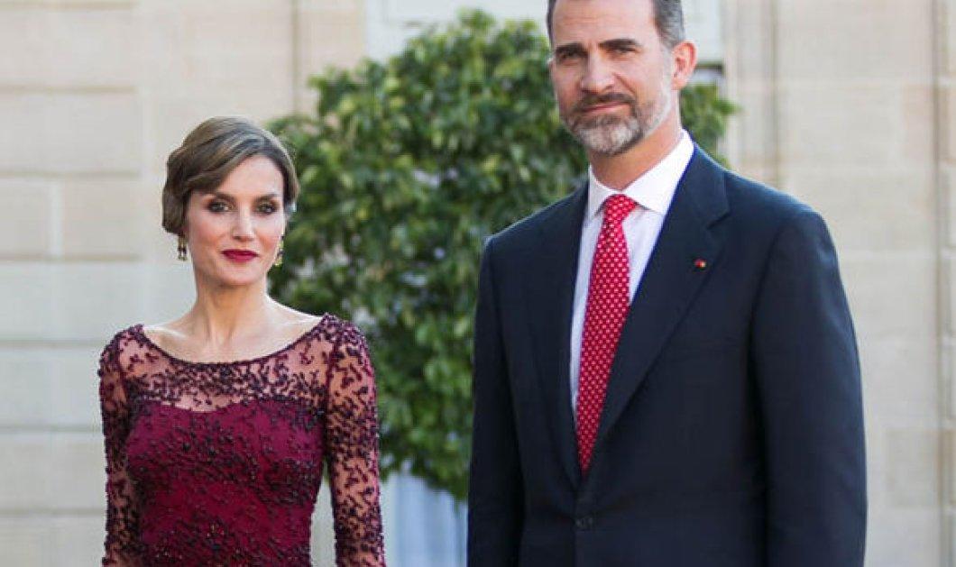 Επιτέλους τσαλακώθηκαν! Η βασιλική οικογένεια της Ισπανίας σε χαλαρό στυλ με ασιδέρωτα ρούχα  - Κυρίως Φωτογραφία - Gallery - Video