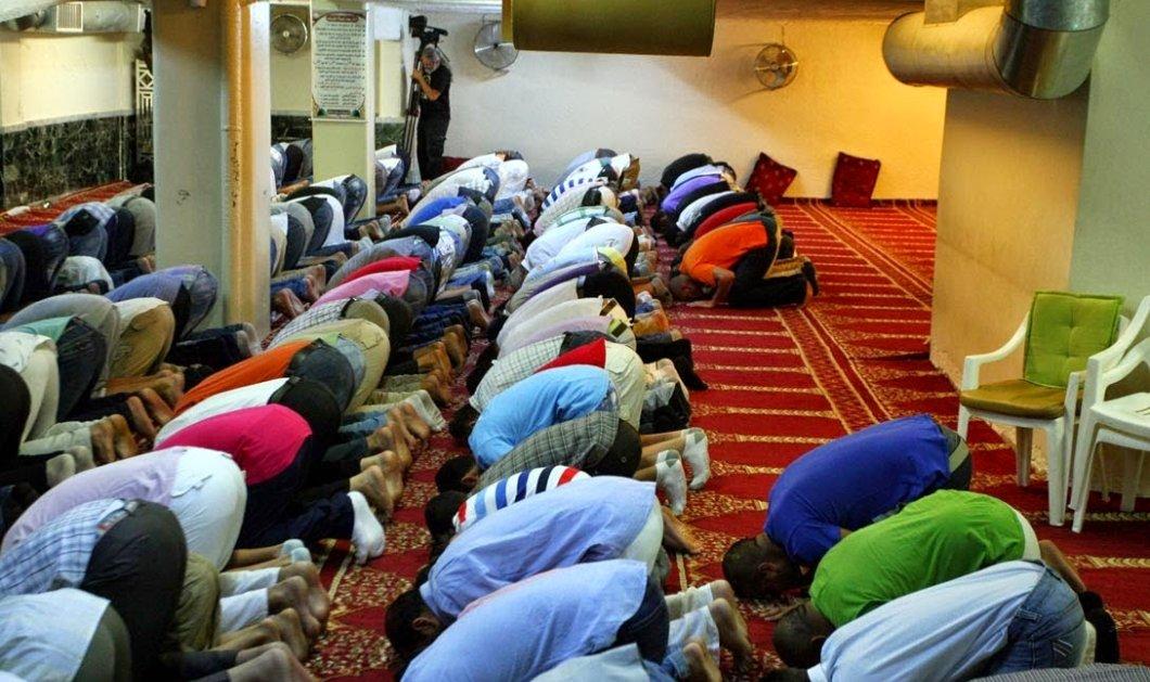 Χαρτογράφηση όλων των χώρων μουσουλμανικής λατρείας στην Αθήνα ζήτησε η Αστυνομία - η Βαρκελώνη χτύπησε καμπανάκι - Κυρίως Φωτογραφία - Gallery - Video