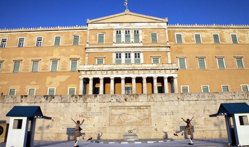 Με 149 ψήφους από ΣΥΡΙΖΑ και ΑΝΕΛ «πέρασε» το νομοσχέδιο για την Ανώτατη Εκπαίδευση - Κυρίως Φωτογραφία - Gallery - Video