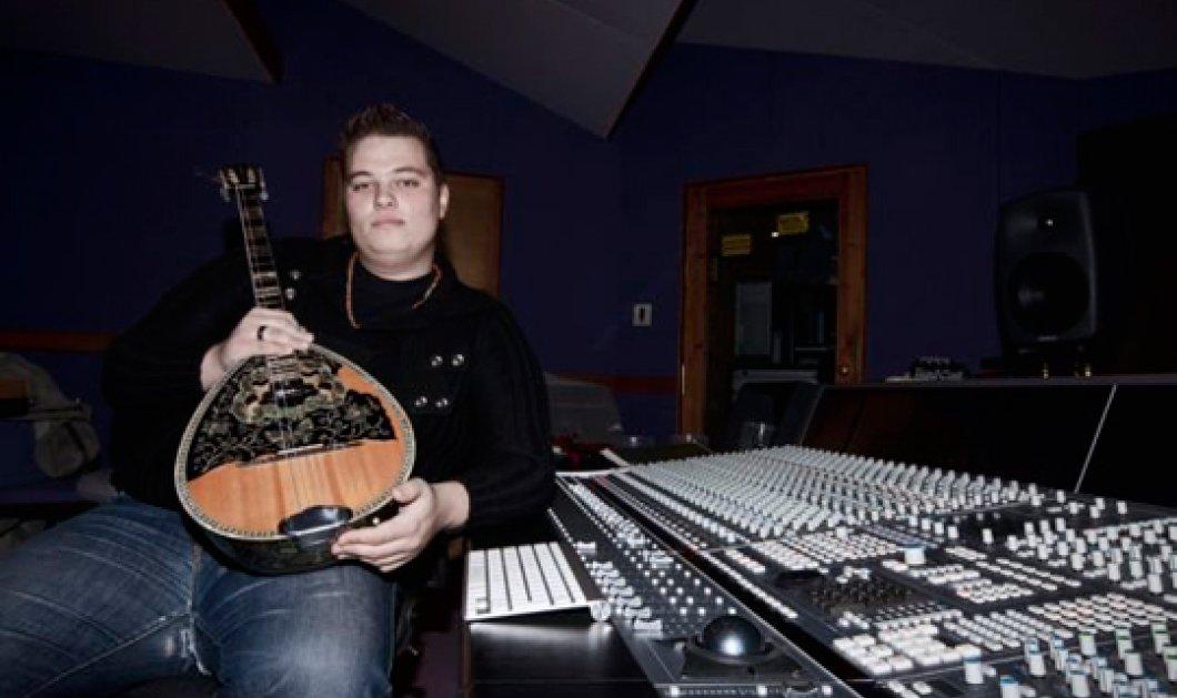 Made in Greece ο Μιχάλης Παούρης: 1ο Βραβείο με το μπουζούκι του σε διεθνή διαγωνισμό - εκτόπισε κιθάρα & πιάνο!!! - Κυρίως Φωτογραφία - Gallery - Video