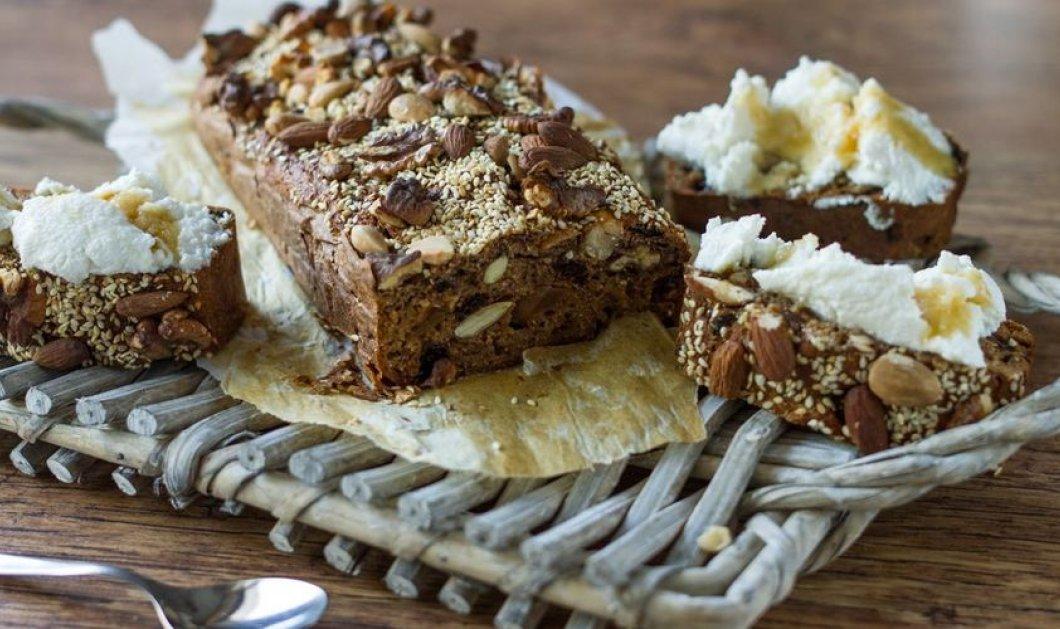 Τι θα λέγατε σήμερα για ψωμί με σύκο και ξηρούς καρπούς; Ο Άκης Πετρετζίκης μας καθοδηγεί - Κυρίως Φωτογραφία - Gallery - Video