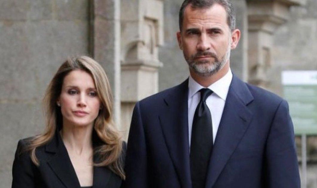 Συντετριμμένοι ο Βασιλιάς Φελίπε & η Βασίλισσα Λετίσια επισκέπτονται  στο νοσοκομείο τα θύματα της τρομοκρατικής επίθεσης (ΒΙΝΤΕΟ)  - Κυρίως Φωτογραφία - Gallery - Video