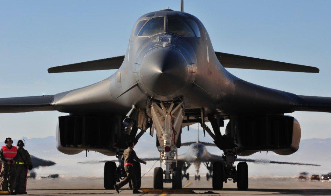 Επίδειξη ισχύος από Τραμπ: Αμερικανικά βομβαρδιστικά πέταξαν πάνω από τη Βόρεια Κορέα - Κυρίως Φωτογραφία - Gallery - Video