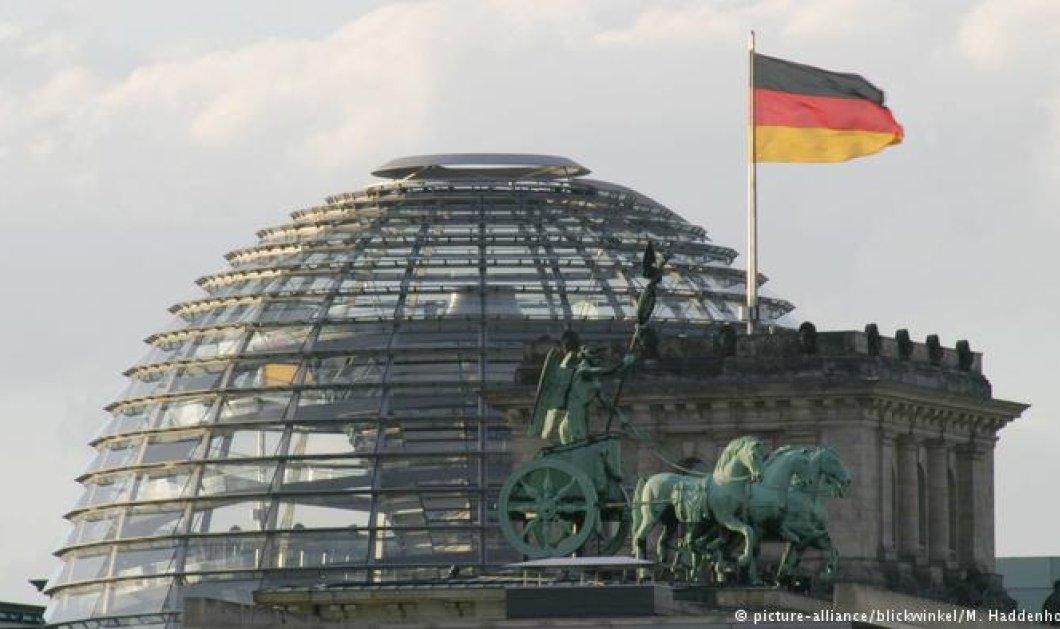 Το βλέμμα της Ευρώπης στο Βερολίνο: Στις κάλπες σήμερα οι Γερμανοί ψηφοφόροι  - Κυρίως Φωτογραφία - Gallery - Video