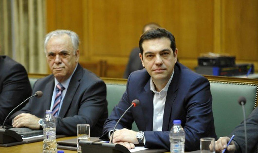 Αλέξης Τσίπρας στο υπουργικό συμβούλιο: «Απαιτείται εγρήγορση και απόλυτη στοχοπροσήλωση» - Κυρίως Φωτογραφία - Gallery - Video