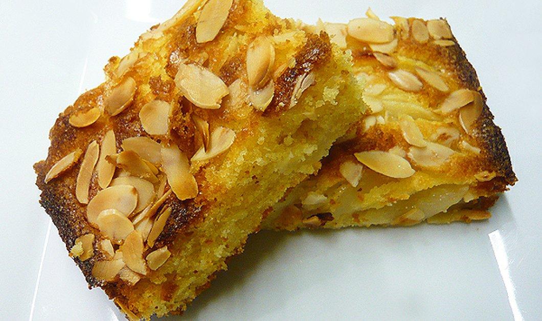 Η Αργυρώ Μπαρμπαρίγου μας δείχνει πώς θα φτιάξουμε την πιο νόστιμη μηλόπιτα κέικ μέσα σε 5 λεπτά - Κυρίως Φωτογραφία - Gallery - Video