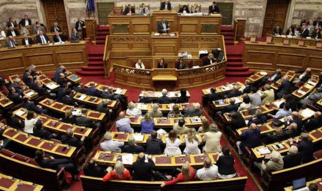 Βουλή: Ψηφίστηκε επί της αρχής στην επιτροπή το νομοσχέδιο για την ταυτότητα φύλου - Κυρίως Φωτογραφία - Gallery - Video