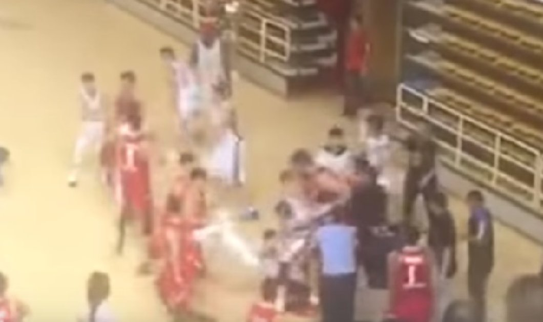Απίστευτο βίντεο: Μπουνιές κλωτσιές σε αγώνα μπάσκετ για το κινέζικο πρωτάθλημα  - Κυρίως Φωτογραφία - Gallery - Video