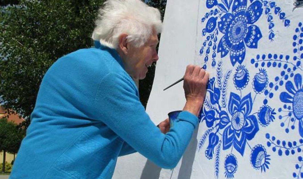 Σουπερ γιαγιά: 90χρονη Τσέχα μετατρέπει το χωριουδάκι της σε Γκαλερί ζωγραφίζοντας υπέροχα τα σπίτια (ΦΩΤΟ)  - Κυρίως Φωτογραφία - Gallery - Video