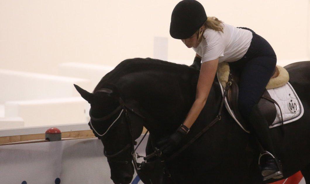 Η Αθηνά Ωνάση καβάλα στο άλογο κι ας έχασε τη δίκη με τον Αλβάρο - Ο νέος έρωτας της την περιμένει (ΦΩΤΟ)  - Κυρίως Φωτογραφία - Gallery - Video