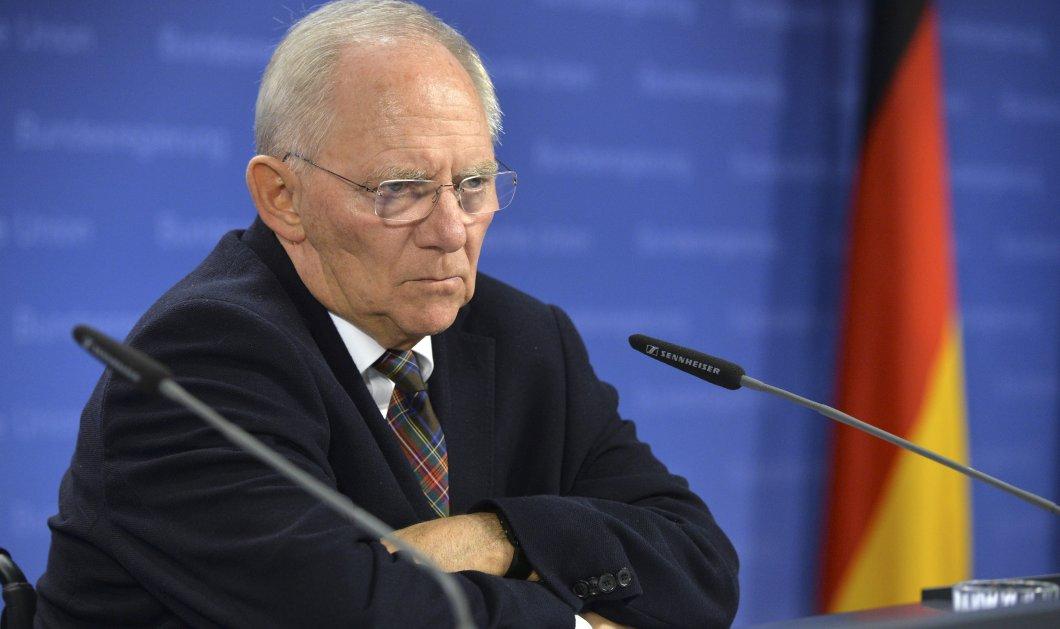 Ο Σόιμπλε κυρίαρχος στη Γερμανία: Δημοφιλέστερος πολιτικός με τη Μέρκελ να ακολουθεί - Κυρίως Φωτογραφία - Gallery - Video