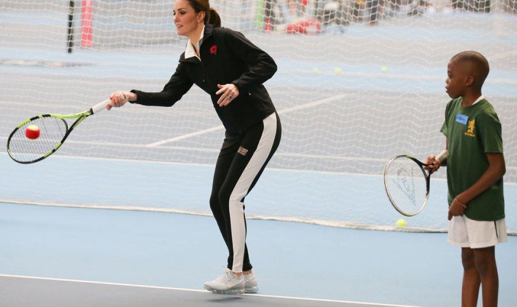Να πως ντύθηκε η πριγκίπισσα Κέιτ για να πάει στο τένις του Λονδίνου - Υιοθετήστε το look (ΦΩΤΟ) - Κυρίως Φωτογραφία - Gallery - Video