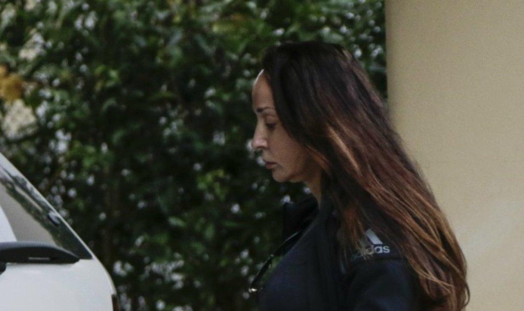 Βίκυ Σταμάτη: Αποφυλακίστηκε με το νόμο Παρασκευόπουλου & επέστρεψε σπίτι της  - Κυρίως Φωτογραφία - Gallery - Video