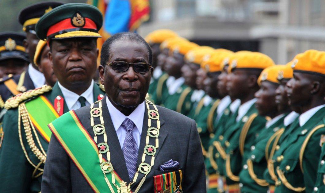 Ζιμπάμπουε: Η παραίτηση Μουγκάμπε σηματοδοτεί την αυγή μιας νέας εποχής - Κυρίως Φωτογραφία - Gallery - Video
