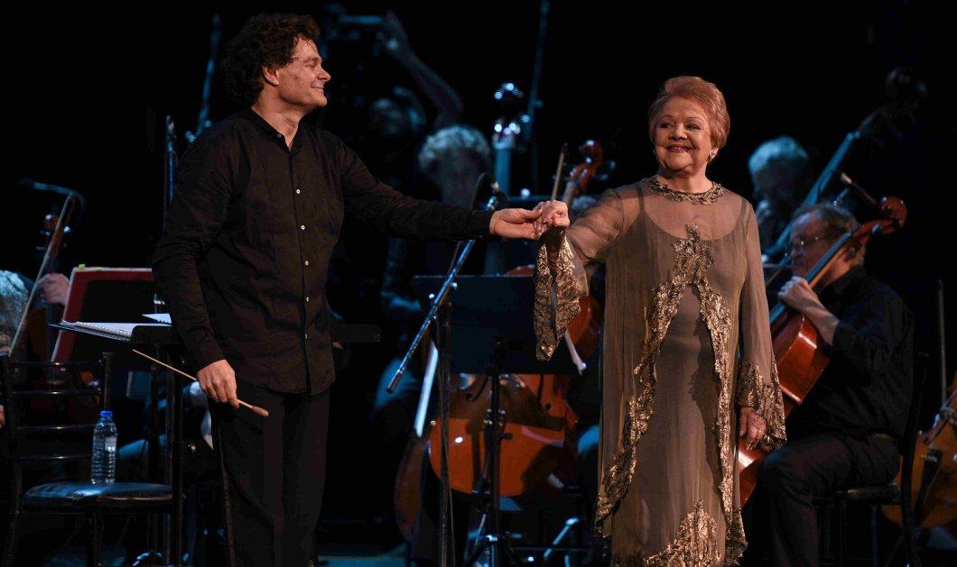 Μια νύχτα μαγική: Αποθεώθηκαν στο κατάμεστο Παλλάς η Μαίρη Λίντα η Τατιάνα Παπαγεωργίου και η συμφωνική ορχήστρα και τα μπαλέτα του Κιέβου στη μεγάλη συναυλία προς τιμήν του Μίκη Θεοδωράκη  (ΦΩΤΟ)  - Κυρίως Φωτογραφία - Gallery - Video