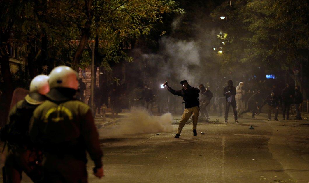 Εκτεταμένα επεισόδια στα Εξάρχεια μετά την πορεία για τον Αλέξη Γρηγορόπουλο- Επεισόδια και στη Θεσσαλονίκη (ΦΩΤΟ) - Κυρίως Φωτογραφία - Gallery - Video
