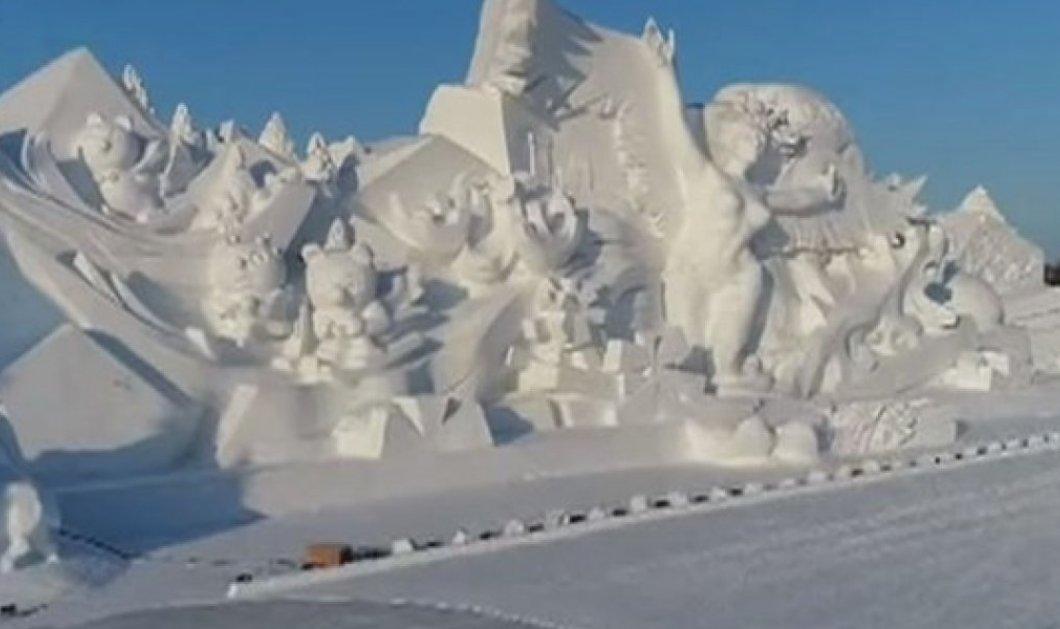 BINTEO: Δείτε ένα εντυπωσιακό γιγάντιο γλυπτό από χιόνι για τους Ολυμπιακούς του Πεκίνου- Υπέροχο! - Κυρίως Φωτογραφία - Gallery - Video