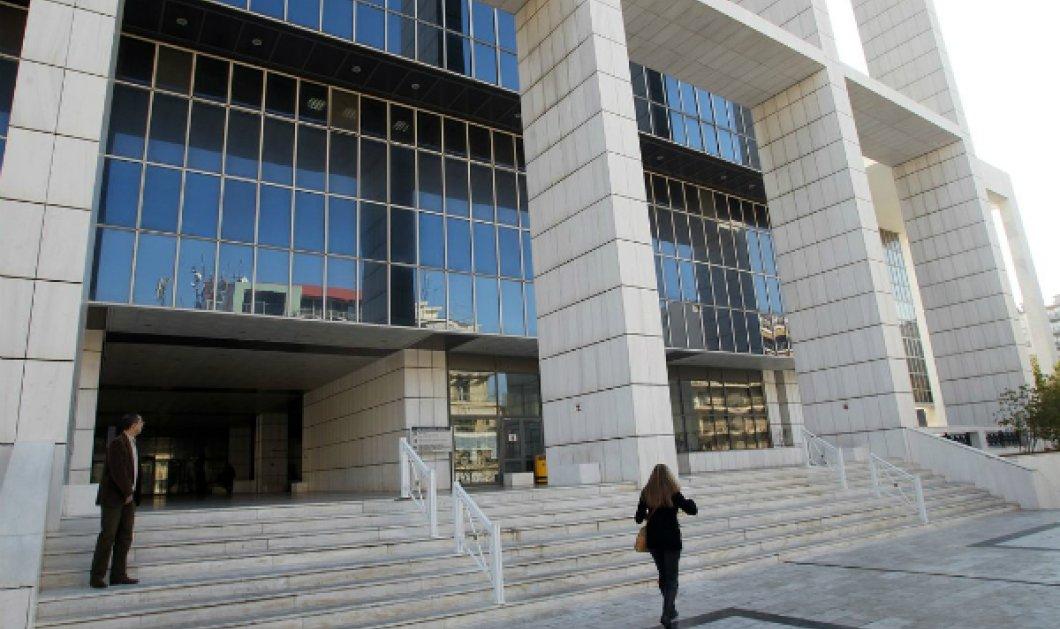 """Επίθεση στο Εφετείο Αθηνών: Σε... """"καθαρό"""" καλάσνικοφ οδηγούν την Αστυνομία οι συνεχείς έρευνες - Κυρίως Φωτογραφία - Gallery - Video"""
