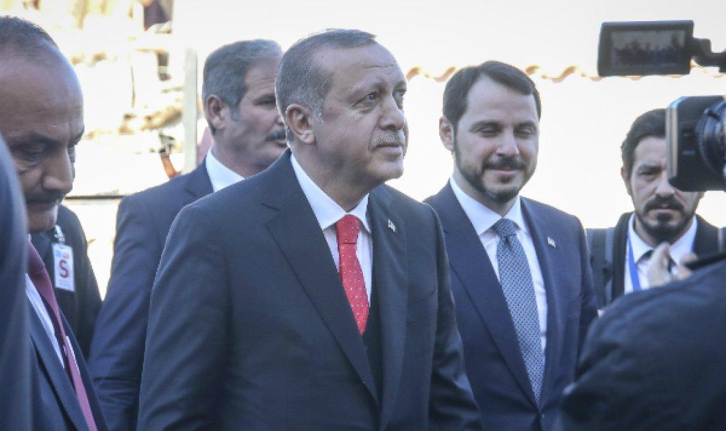 Επίσκεψη Ερντογάν στην Κομοτηνή: Στο προαύλιο σχολείου της μειονότητας ο Τούρκος πρόεδρος - Ομοεθνείς και συμπολίτες αποκάλεσε τους μουσουλμάνους - Κυρίως Φωτογραφία - Gallery - Video