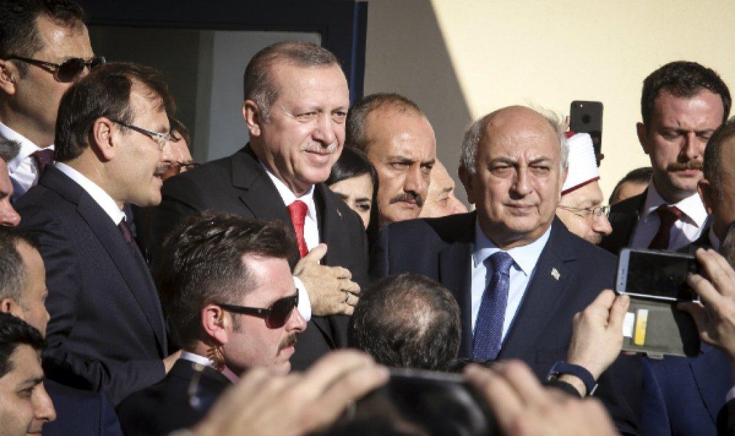 Βίντεο: Όταν ο Ερντογάν στην Κομοτηνή ζήτησε από τον θαρραλέο ωστόσο Αμανατίδη το μικρόφωνο  - Κυρίως Φωτογραφία - Gallery - Video