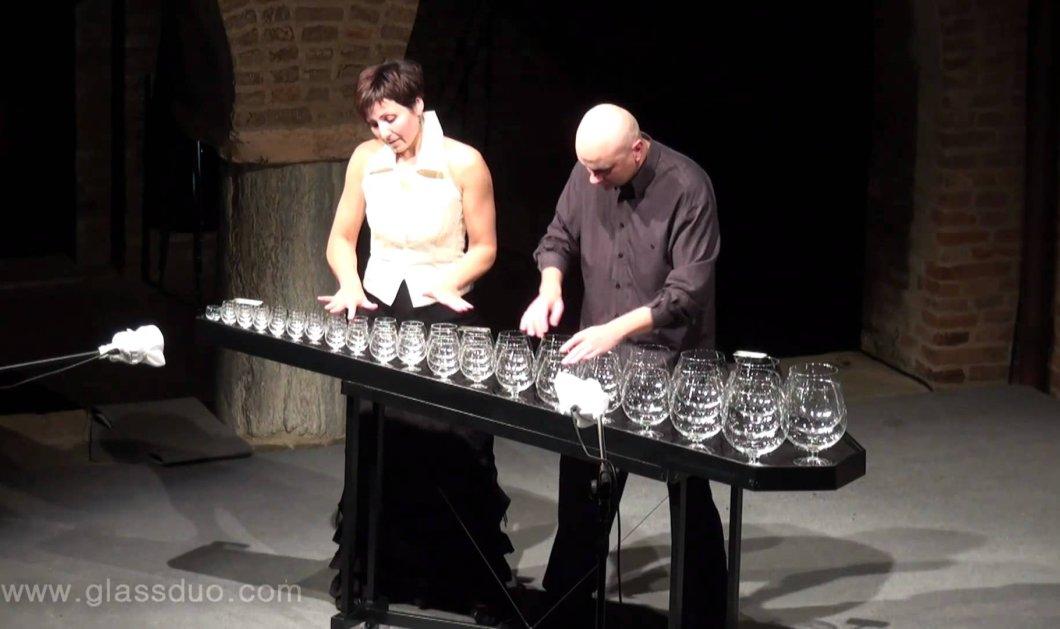 Το βίντεο της ημέρας: Μουσική εκτέλεση με… ποτήρια νερού από δυο φανταστικούς συνθέτες!  - Κυρίως Φωτογραφία - Gallery - Video