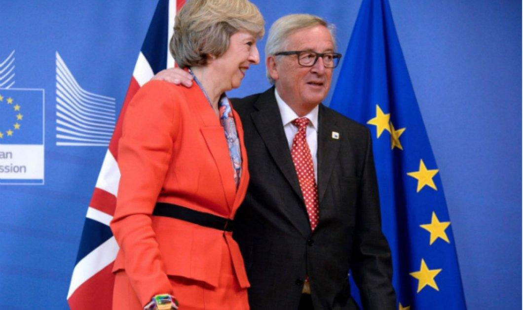 """Κοινή συναινέσει το διαζύγιο Ευρώπης - Μεγάλης Βρετανίας: Πως ο Γιούνκερ & η Μέι """"έκλεισαν"""" το Brexit - Κυρίως Φωτογραφία - Gallery - Video"""