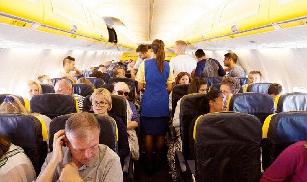 """Βιντεο : Αυτό θα πει """"ηρωική έξοδος""""- Αγανακτισμένος επιβάτης αεροπλάνου καβάλησε το φτερό και περίμενε ... - Κυρίως Φωτογραφία - Gallery - Video"""
