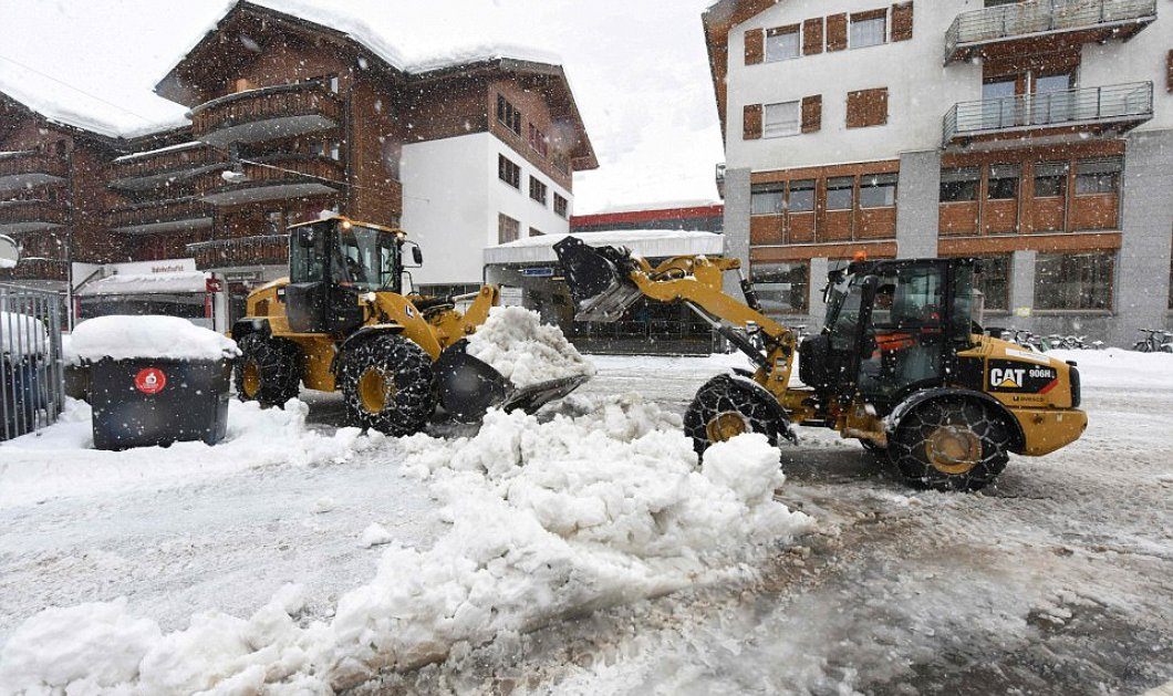 Αποκλεισμένοι 13.000 τουρίστες σε χιονοδρομικό κέντρο της Ελβετίας λόγω πυκνής χιονόπτωσης (ΦΩΤΟ-ΒΙΝΤΕΟ) - Κυρίως Φωτογραφία - Gallery - Video