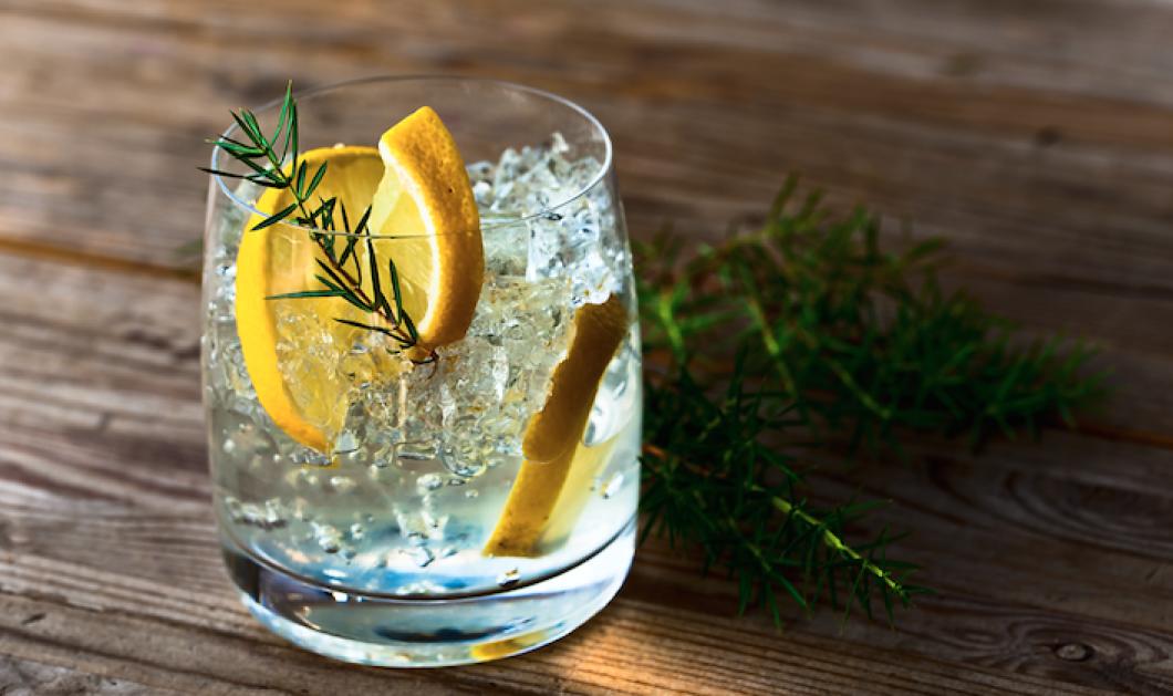 Τζιν με τόνικ: Τα 5 μυστικά που θα μάθεις μόνο από εξπέρ για το δημοφιλές ποτό  - Κυρίως Φωτογραφία - Gallery - Video