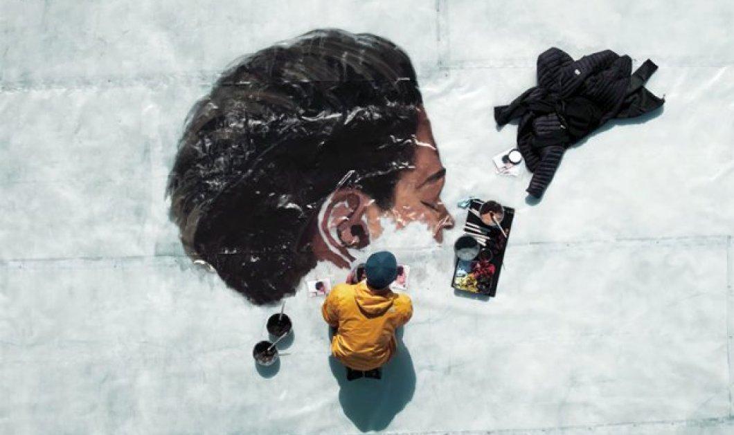 Ζωγραφίζοντας στον πάγο: Υπέροχος καλλιτέχνης δημιουργεί τέχνη σε παγόβουνα στον Αρκτικό Ωκεανό (ΦΩΤΟ - ΒΙΝΤΕΟ) - Κυρίως Φωτογραφία - Gallery - Video