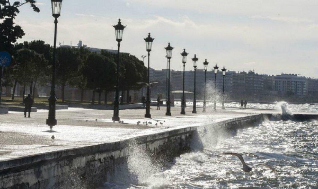 Θεσσαλονίκη: Μέχρι και στέγη νηπιαγωγείου ξήλωσαν οι δυνατοί άνεμοι - Ευτυχώς κανένα παιδάκι δεν τραυματίστηκε (ΒΙΝΤΕΟ) - Κυρίως Φωτογραφία - Gallery - Video