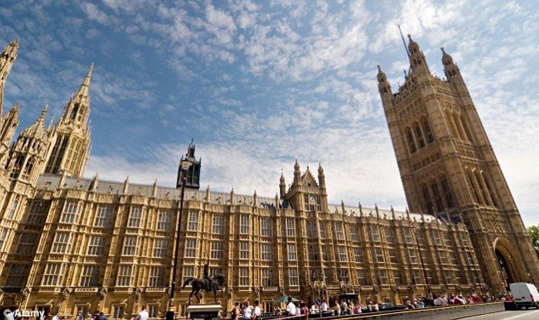 Σκάνδαλο στο Βρετανικό Κοινοβούλιου: 160 προσπάθειες σύνδεσης με sites πορνογραφικού περιεχομένου την ημέρα   - Κυρίως Φωτογραφία - Gallery - Video