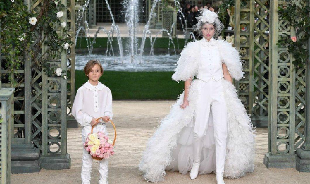 Παρίσι: Τα 69 νέα μοντέλα της Chanel μόλις έκαναν πασαρέλα στην εβδομάδα μόδας (ΦΩΤΟ) - Κυρίως Φωτογραφία - Gallery - Video