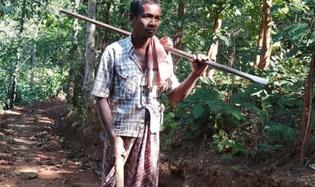 O ήρωας της ημέρας: Έφτιαξε δρόμο στη ζούγκλα για να πάνε τα παιδιά του σχολείο!  - Κυρίως Φωτογραφία - Gallery - Video