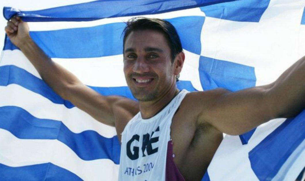 Συνεχίζει την μεγάλη του αγάπη ο Νίκος Κακλαμανάκης! Ο 49χρονος χρυσός Ολυμπιονίκης δαμάζει τα κύματα σε παραλία της Κρήτης (ΦΩΤΟ) - Κυρίως Φωτογραφία - Gallery - Video