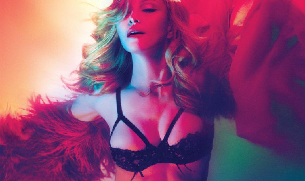 """Ladies & gentlemen, just Madonna! Στα 59 της """"ρίχνει"""" το διαδίκτυο ποζάροντας τόπλες μόνο με μια Louis Vuitton (ΦΩΤΟ) - Κυρίως Φωτογραφία - Gallery - Video"""
