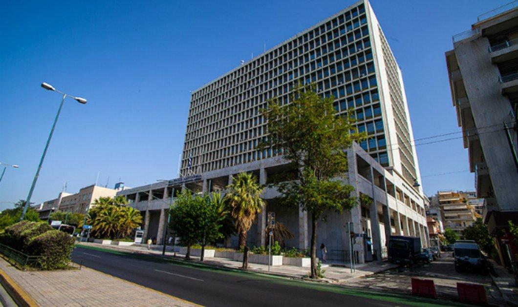"""""""Συναγερμός"""" στην Τροχαία Αθηνών: Συνεχόμενοι πυροβολισμοί προκάλεσαν αναστάτωση μέρα - μεσημέρι... - Κυρίως Φωτογραφία - Gallery - Video"""