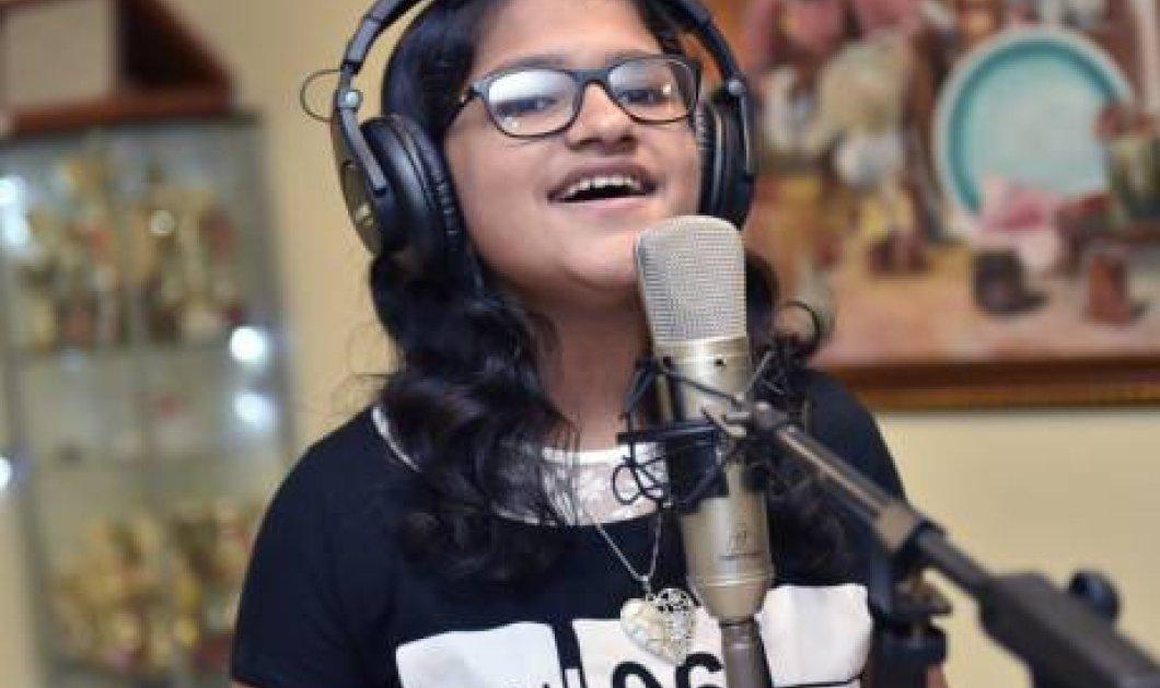 Η 12χρονη Suchetha Satish από την Ινδία τραγουδάει σε 102 γλώσσες & σπάει 2 ρεκόρ γκίνες ταυτόχρονα (ΦΩΤΟ - ΒΙΝΤΕΟ) - Κυρίως Φωτογραφία - Gallery - Video