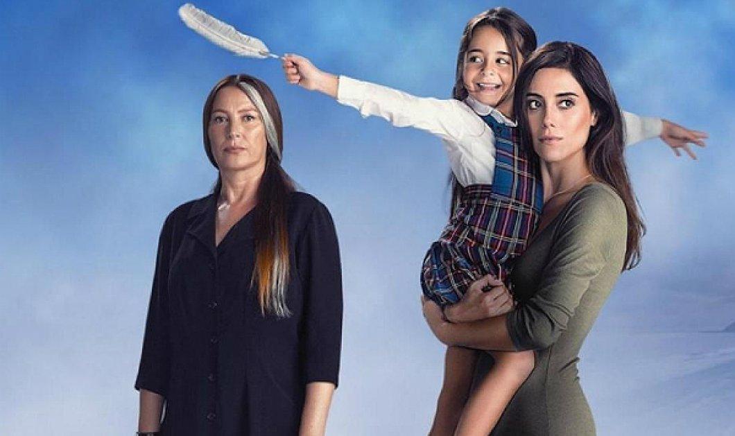 "Anne: Η μικρούλα Τουρνά, που χει ""κλέψει"" τις καρδιές των τηλεθεατών ποζάρει αγκαλιά με τους πραγματικούς της γονείς (ΦΩΤΟ) - Κυρίως Φωτογραφία - Gallery - Video"