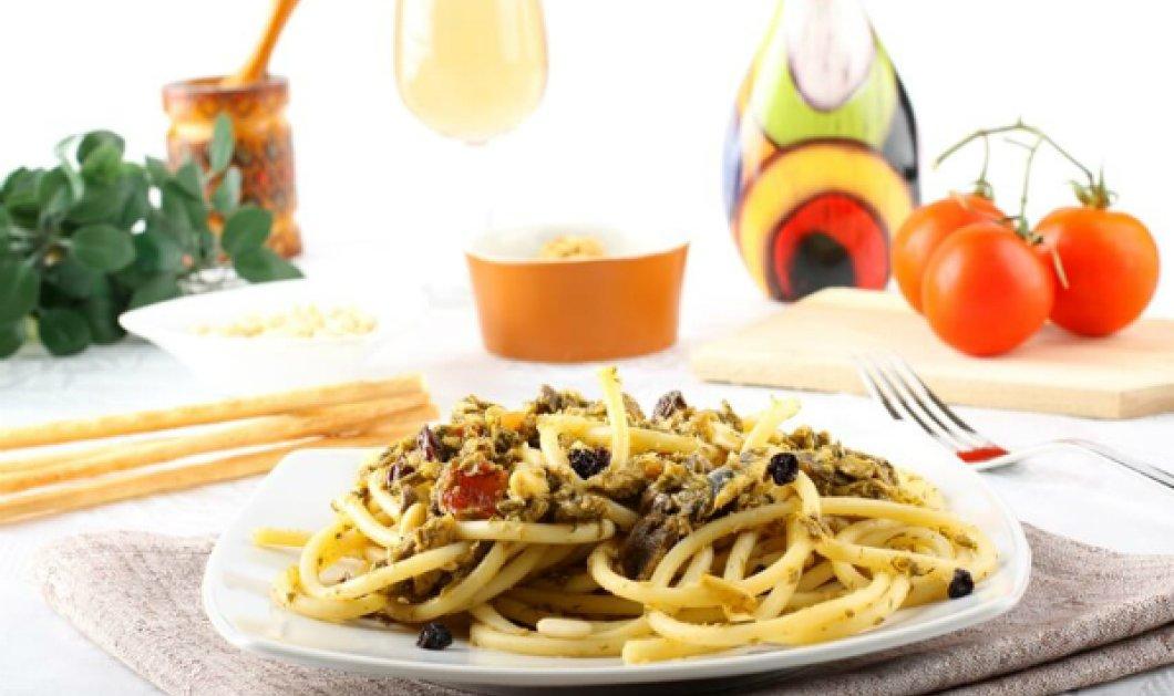 Ο αρτίστας της κουζίνας, Έκτορας Μποτρίνι μας εντυπωσιάζει με λαχταριστά bucatini με μπαρμπούνι - Κυρίως Φωτογραφία - Gallery - Video