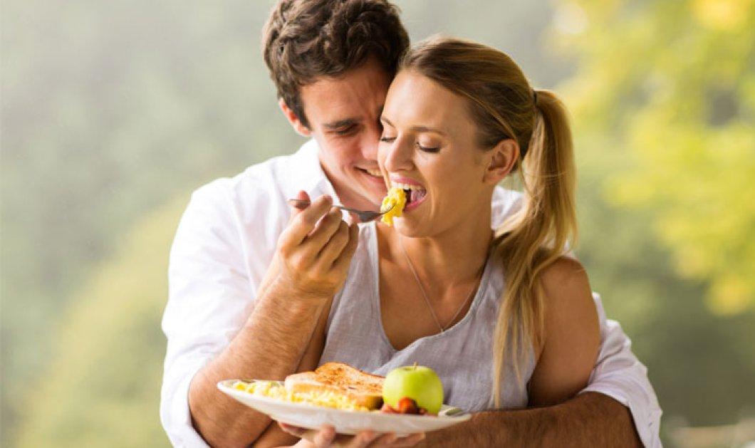 Τελικά ο έρωτας περνάει από το στομάχι; Τι λένε οι ειδικοί;  - Κυρίως Φωτογραφία - Gallery - Video