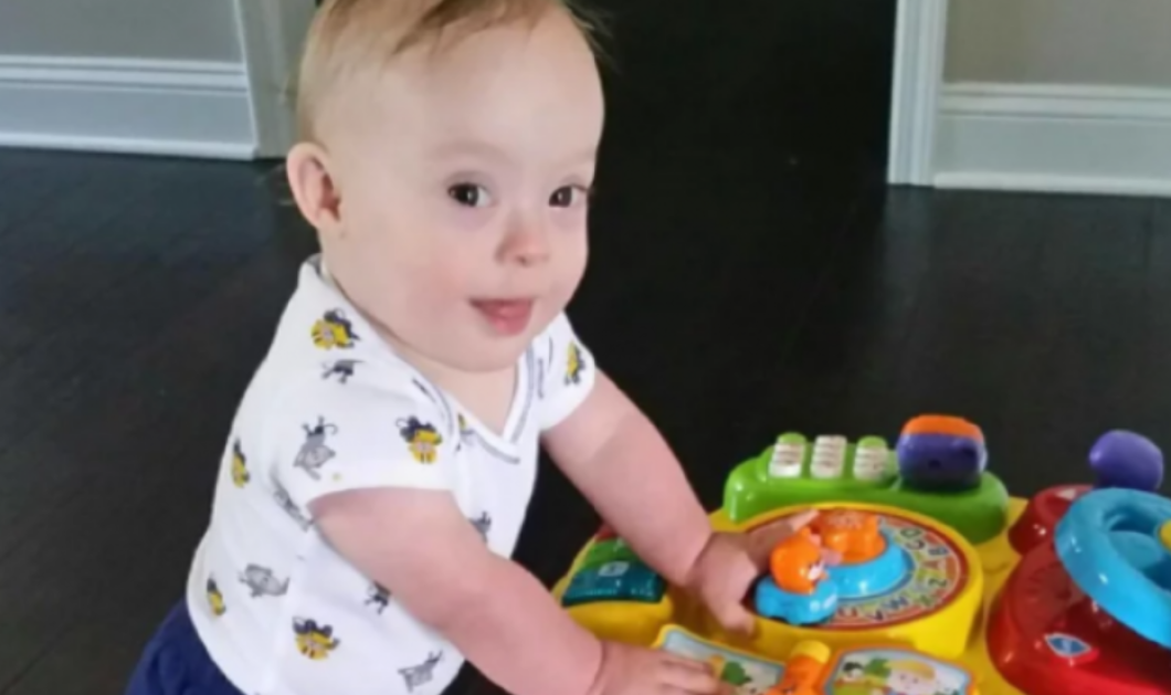 """""""Συγχαρητήρια Lucas!""""  Αυτό το μωρό είναι το πρώτο στην ιστορία της Gerber με Σύνδρομο Down   - Κυρίως Φωτογραφία - Gallery - Video"""