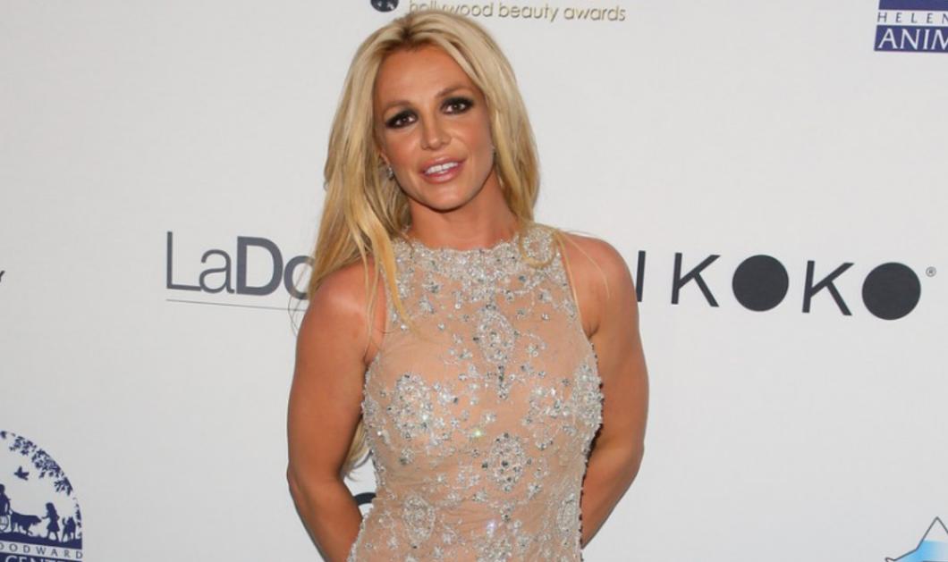 Η Britney Spears φόρεσε Celia Kritharioti & έλαμψε στο κόκκινο χαλί στα Hollywood Beauty Awards 2018! - Κυρίως Φωτογραφία - Gallery - Video